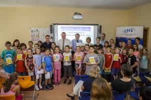 Schüler und Schülerinnen bei der Siegerehrung von Internet ABC